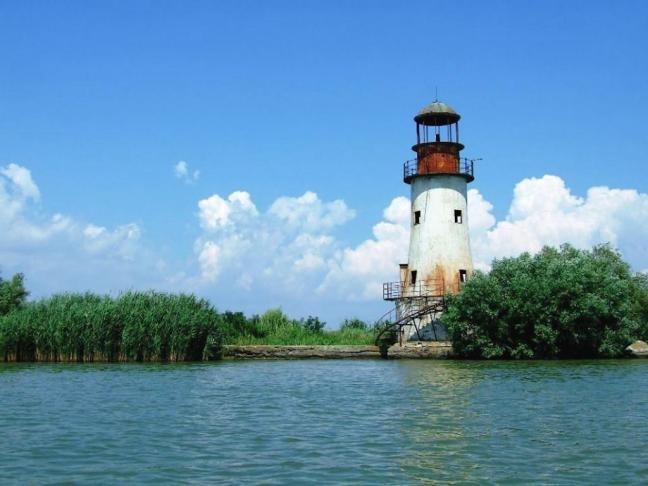 sulina-lighthouse-channel-black-sea-danube-delta-romania