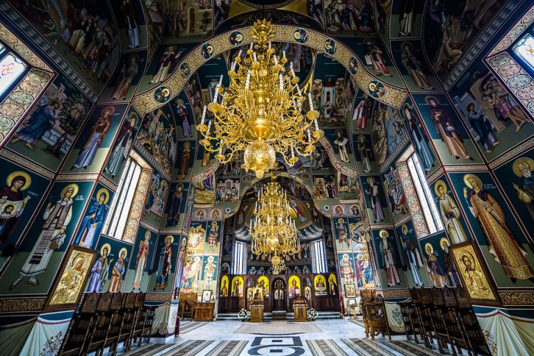 sihastria-monastery-putnei-213765_960_720.jpg