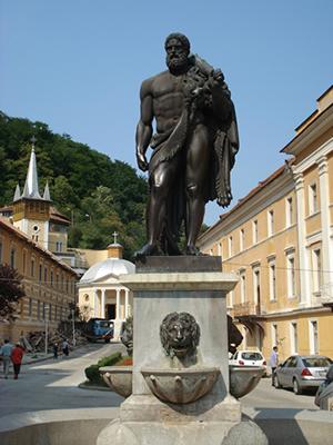 hercule-statuie