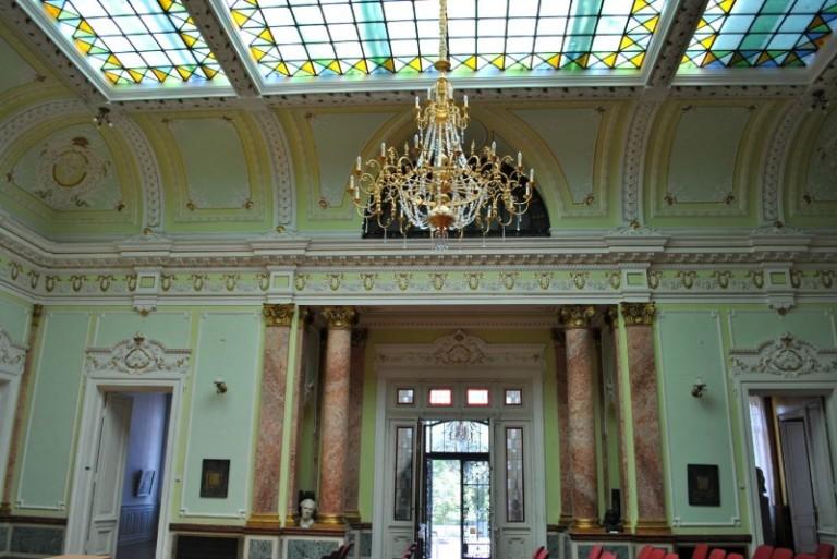 Palatul-Marincu-interior-e1375122043787