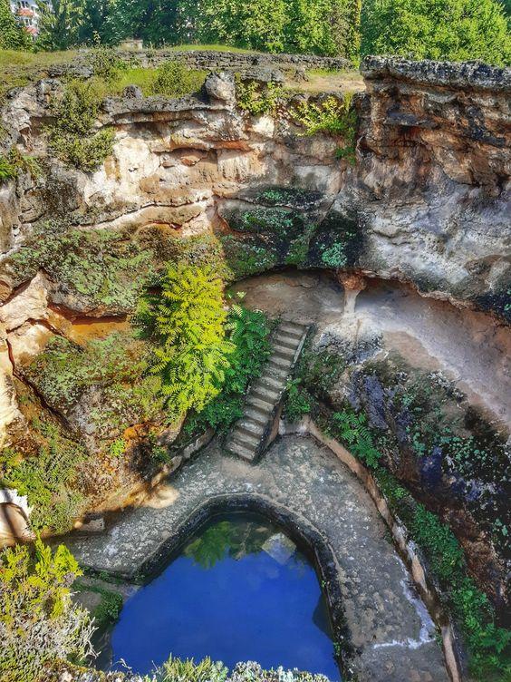 Ruina de la Geoagiu-Baile termale de peste doua milenii stau sa se darame