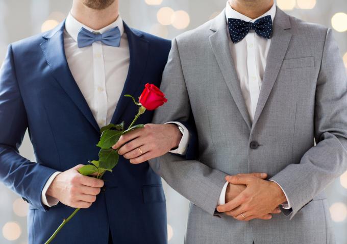 UE cere Romaniei sa legalizeze casatoriile intre parteneri de acelasi sex